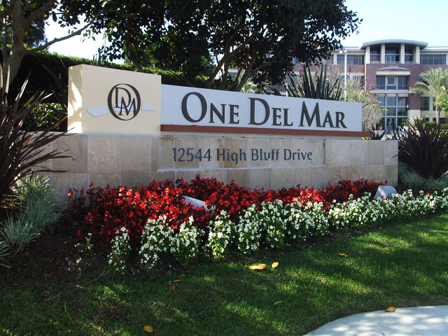 Del Mar Hights Monument Sign