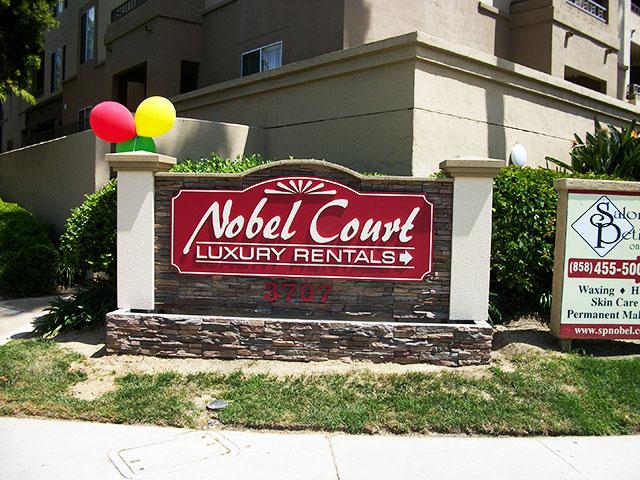 novel-court